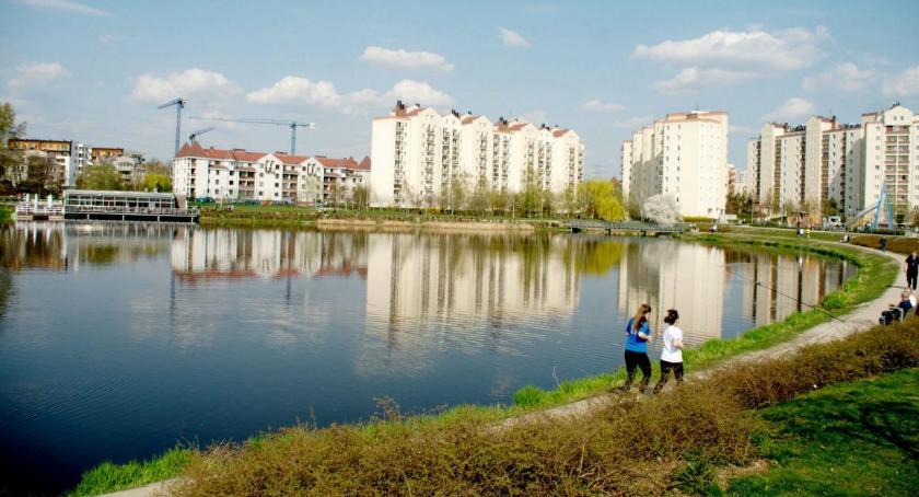 Mieszkalnictwo, Gocław osiedle tylko młodych - zdjęcie, fotografia