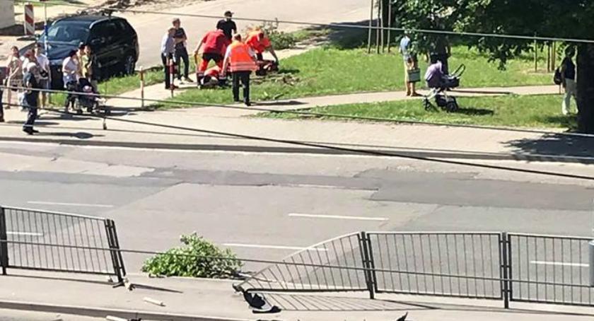 Wypadki, Pomylił pedał hamulca gazem Wczorajszy wypadek Grochowskiej - zdjęcie, fotografia