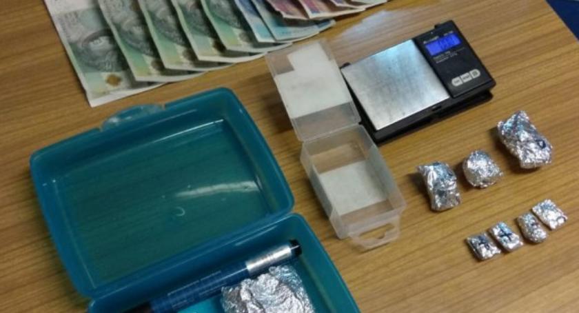 Narkotyki, Zatrzymany marihuaną amfetaminą - zdjęcie, fotografia