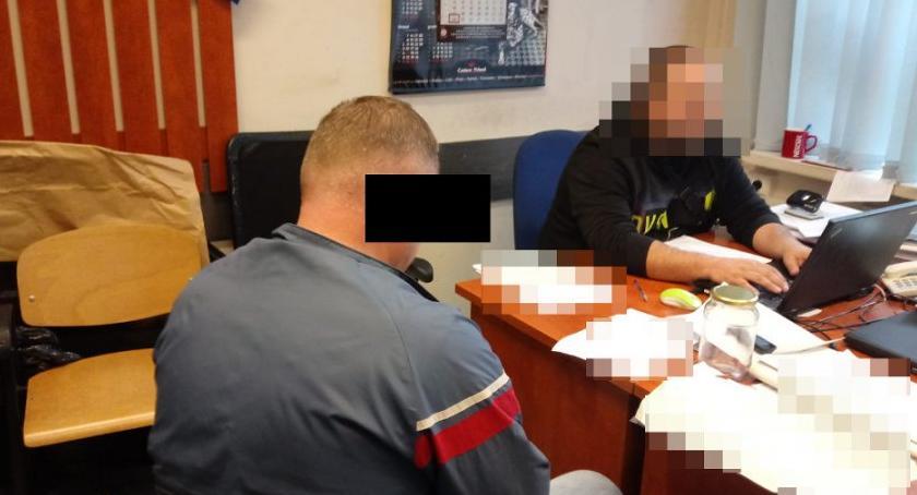 Bezpieczeństwo, Pijany sądowym zakazem jechał kradzioną toyotą - zdjęcie, fotografia