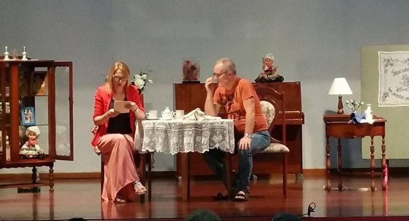 Teatr, `Podaj dłoń` prośbę widzów października ponownie Kultury - zdjęcie, fotografia