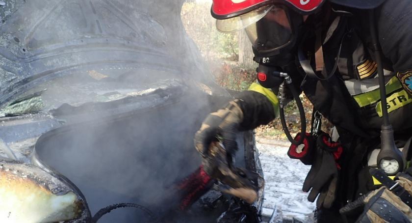 Pożary, Pożar samochodu Zagójskiej Straż publikuje zdjęcia - zdjęcie, fotografia