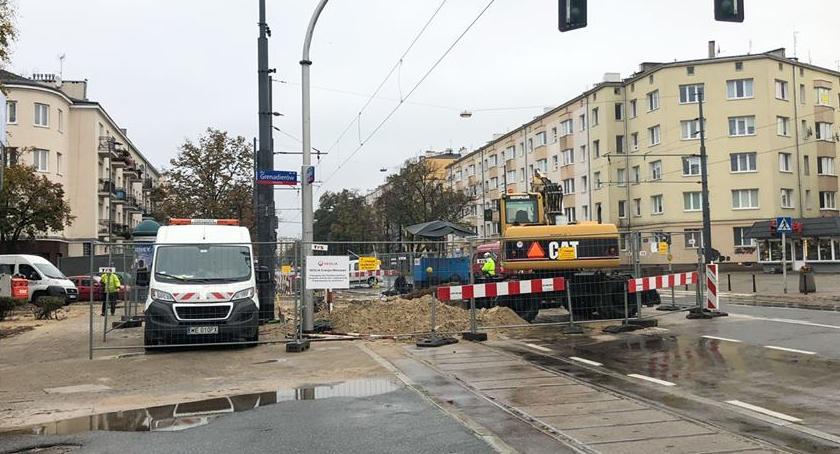 Ulice, usuwanie sutków wczorajszej awarii - zdjęcie, fotografia