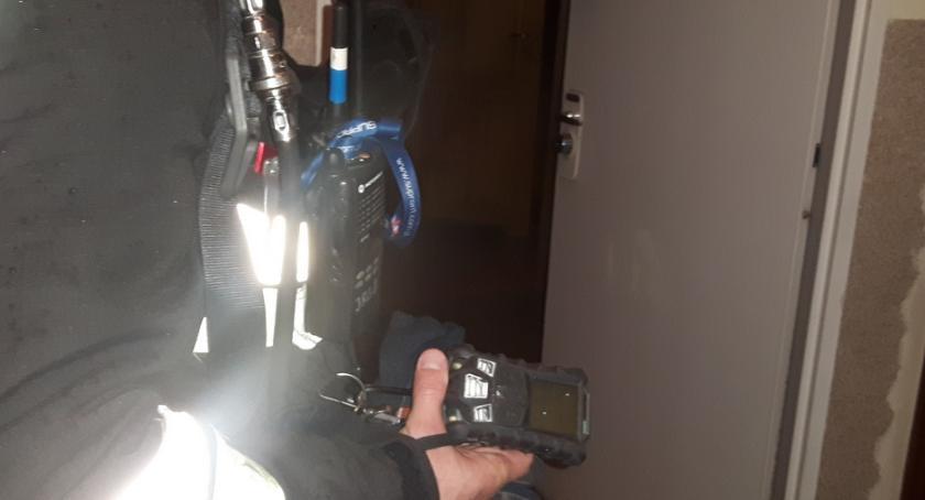Bezpieczeństwo, Zatrucie tlenkiem węgla mieszkaniu Grochowskiej Jedna osoba szpitalu - zdjęcie, fotografia