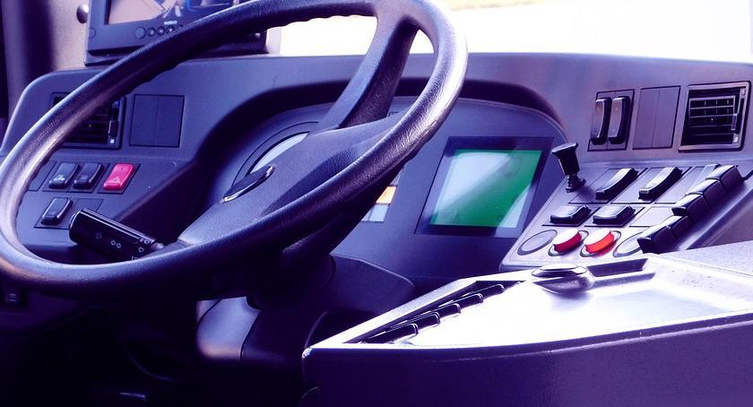 Bezpieczeństwo, Zrobił awanturę zaczął nagrywać kierowcę Niedoszły filmowiec zatrzymany - zdjęcie, fotografia