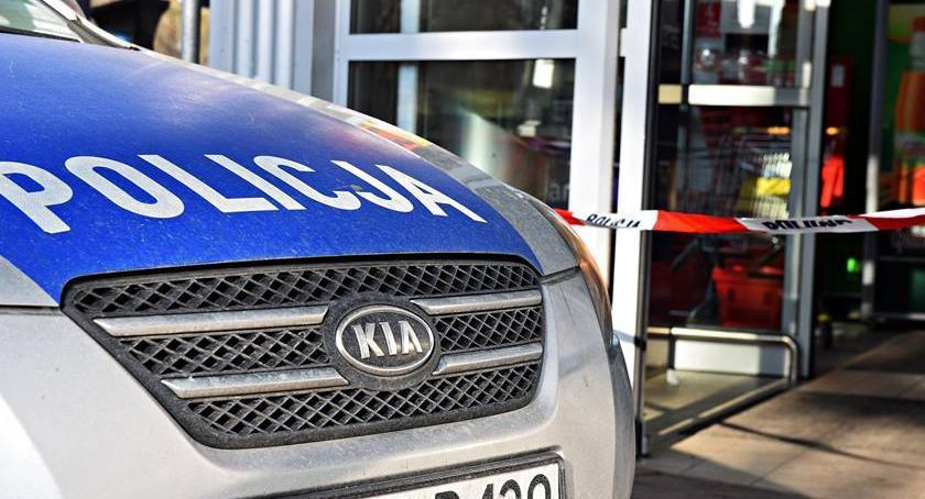 Bezpieczeństwo, Tesco Gocławiu zamknięte alarmy bombowe marketach sieci - zdjęcie, fotografia