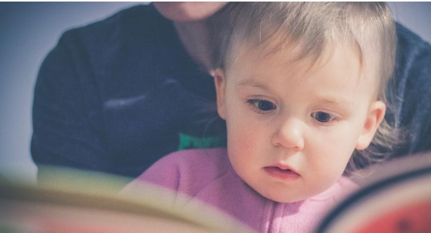 Szkolnictwo, poczytajmy! czyli przedszkolnych biblioteczkach Pradze Południe - zdjęcie, fotografia