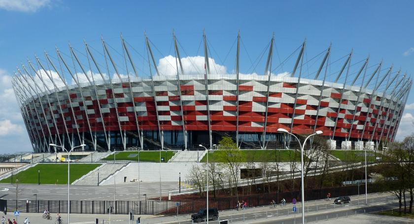 Piłka nożna, Polska Łotwa Komunikacja miejska kibiców darmo - zdjęcie, fotografia