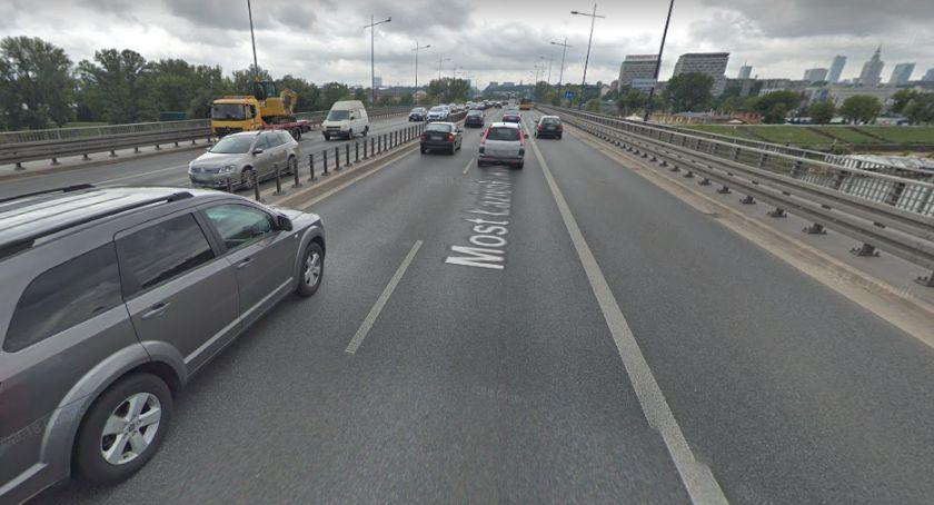 Wypadki, Drobna kolizja zablokowała Trasę Łazienkowską - zdjęcie, fotografia