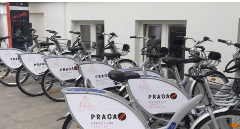 Rower, stacja Veturilo PRAGA306 Pradze Południe - zdjęcie, fotografia