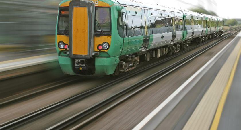 Wypadki, Wypadek metrze mężczyzna wpadł pociąg - zdjęcie, fotografia