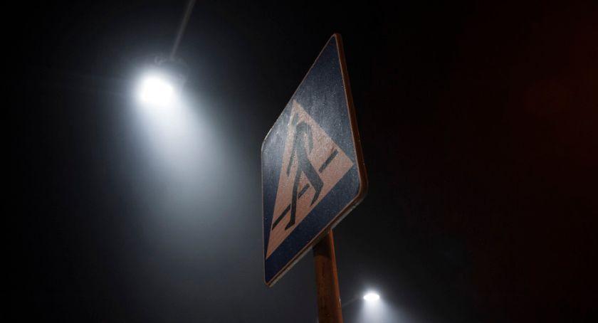Ulice, doświetli przejść pieszych Pradze Południe [LOKALIZACJE] - zdjęcie, fotografia
