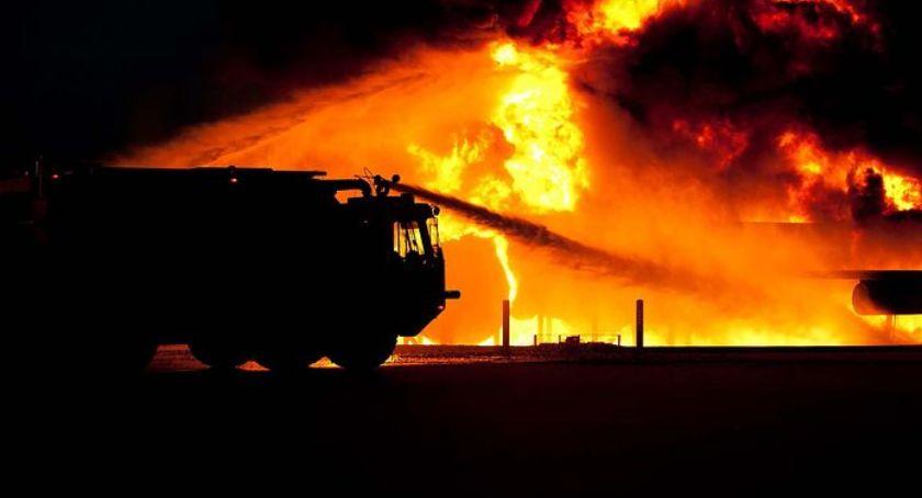 Pożary, Znaleziono zwęglone zwłoki mężczyzny - zdjęcie, fotografia