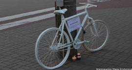 W miejscu śmiertelnego wypadku na ul. Fieldorfa stanął duch roweru