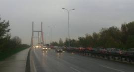 Kolizja na Moście Siekierkowskim. Uwaga na utrudnienia komunikacyjne