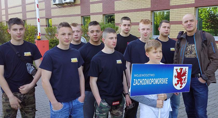 Ekipa unihokeistów ZS5