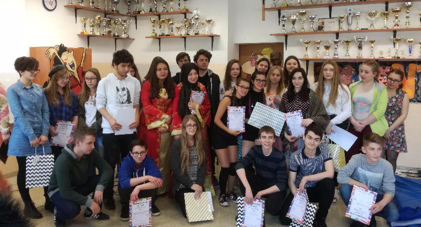 Dzieci i młodzież, szkolny festiwal talentów - zdjęcie, fotografia