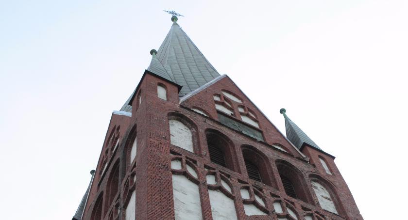 Okradli kościelne skarbonki. Sprawcami okazali się nieletni chłopcy