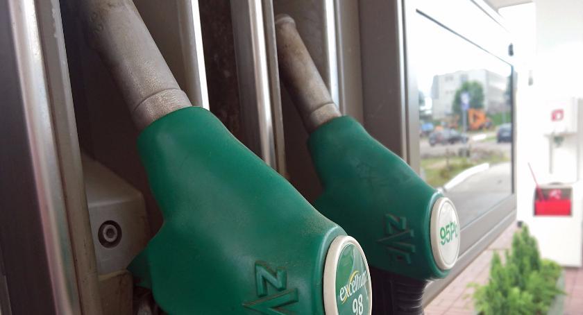 Ceny paliw w Szczecinku prawie bez zmian. Zmiana lidera zestawienia