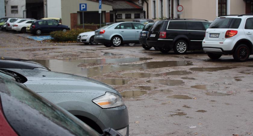 Parking na Zamkowej: Kierowcy proszą o litość