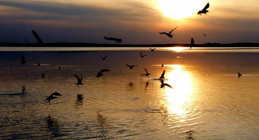 Zachód słońca nad jeziorem Wielimie