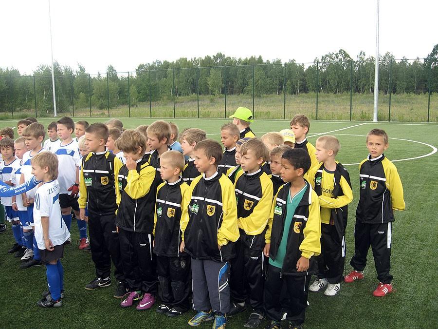 piłka nożna, Triumf młodych akademików Czarnem - zdjęcie, fotografia
