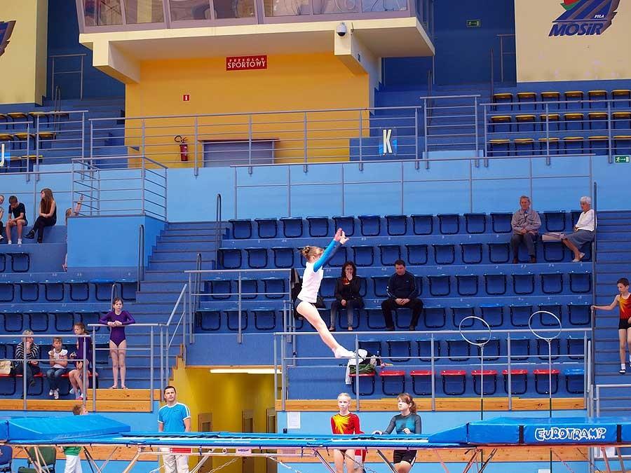 akrobatyka, Akrobaci startowali - zdjęcie, fotografia