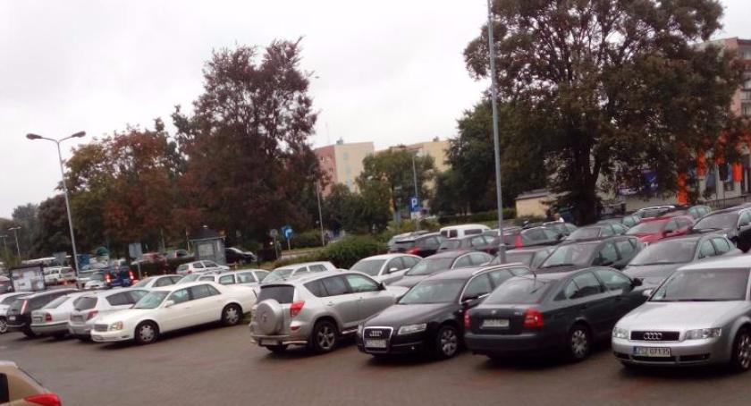 W Szczecinku w ciągu roku przybyło prawie 6 tys. samochodów