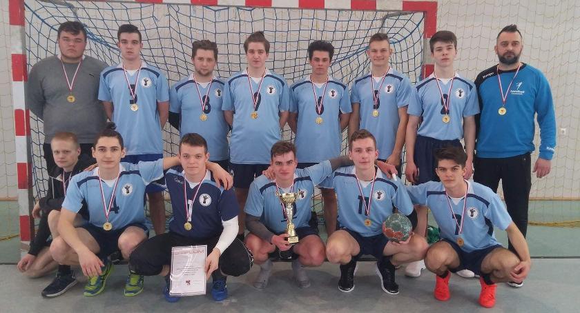 LO ze Szczecinka najlepsze w Licealiadzie w piłkę ręczną