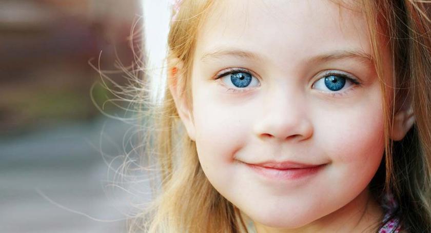 Porady, Przyczyny zapalenia spojówek dzieci dowiedz kiedy warto odwiedzić okulistę dziecięcego - zdjęcie, fotografia