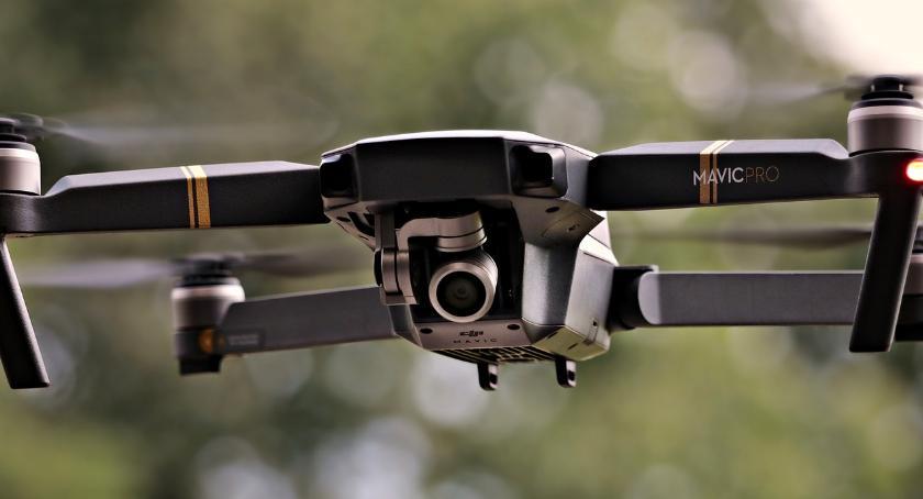 Strażnicy w Szczecinku polatają sobie dronem. I zajrzą do komina