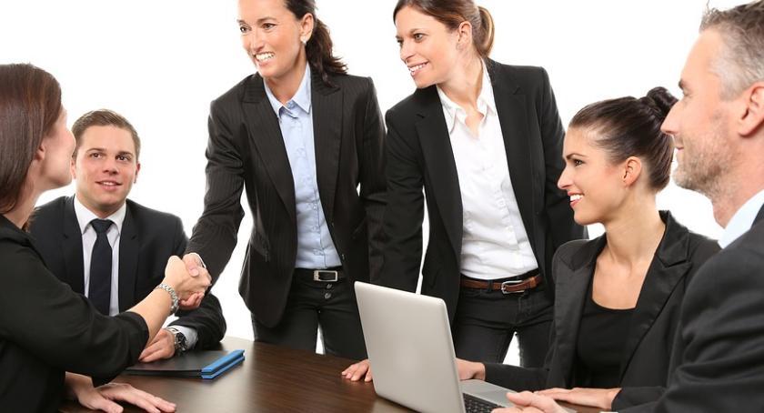Porady, Specjalista spraw kontroli jakości dostaw zawód - zdjęcie, fotografia
