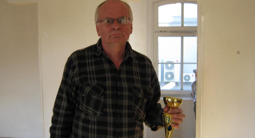 szachy, Mistrzem Szczecinka szachach klasycznych został Henryk Lisiński - zdjęcie, fotografia