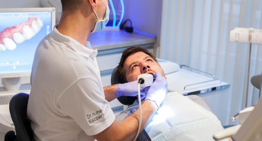 Porady, Piękne zęby podczas jednej wizyty stomatologa Szczecinie Poznaj turystykę stomatologiczną - zdjęcie, fotografia