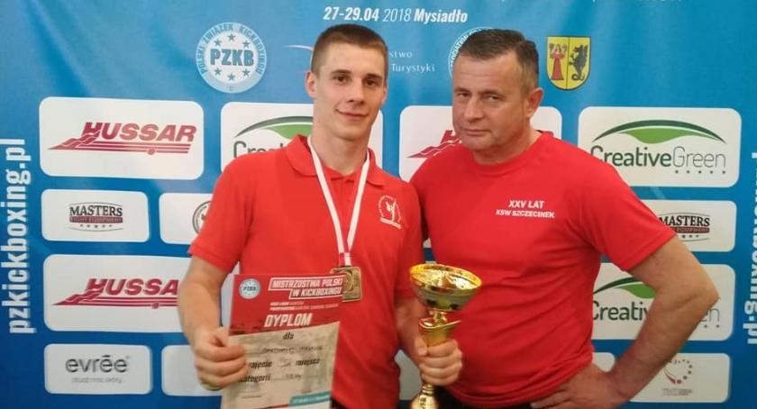 Bartłomiej Mienciuk obronił tytuł mistrza Polski! Medale KSW Szczecinek