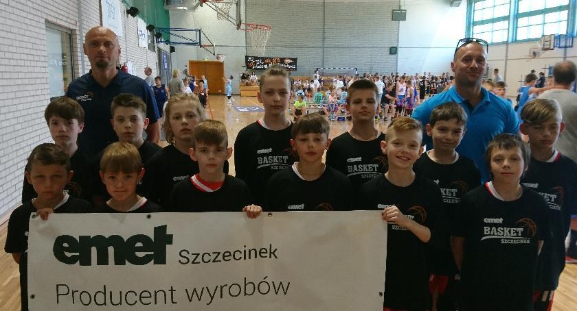 Koszykarze EMET Basket dobrze zagrali w Poznaniu