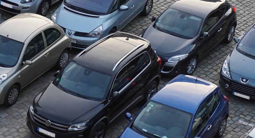 Porady, Gdzie kupić samochód Szczecinku zwrócić uwagę kupując używane - zdjęcie, fotografia