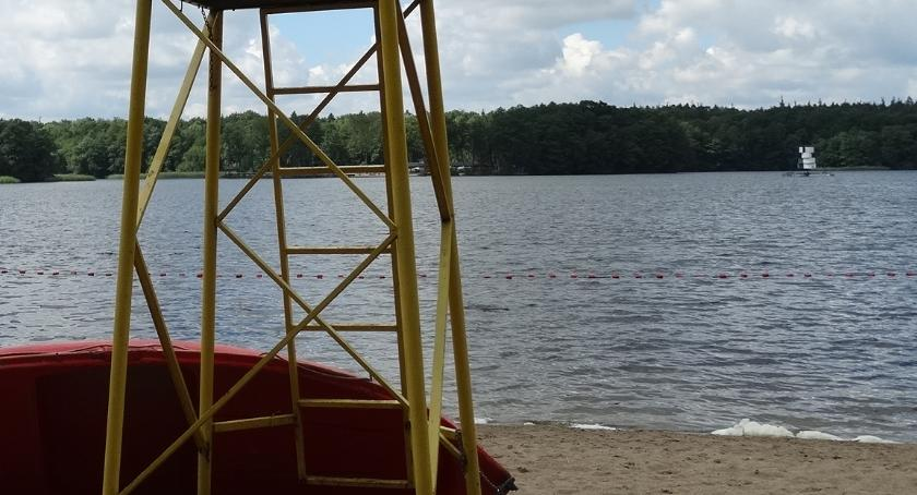 SzLOT zbadał wodę przed Sanepidem. Plaża wojskowa znów czynna