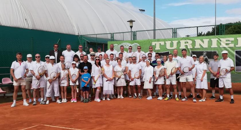 Ponownie zagrali w tenisa w stylu retro