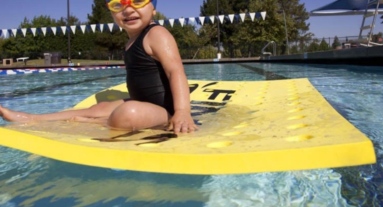 Maty do nauki pływania