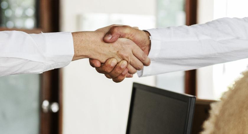 Porady, zapewnić stabilność firmy przez budowanie stałych klientów - zdjęcie, fotografia