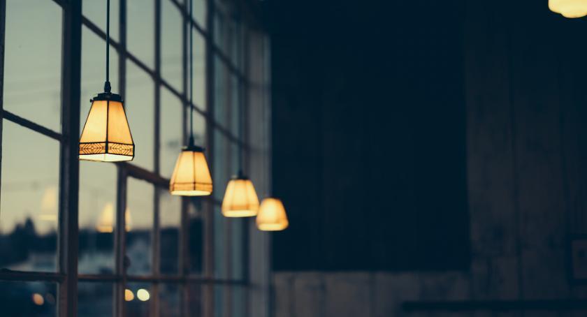 Porady, Designerskie lampy wiszące - zdjęcie, fotografia