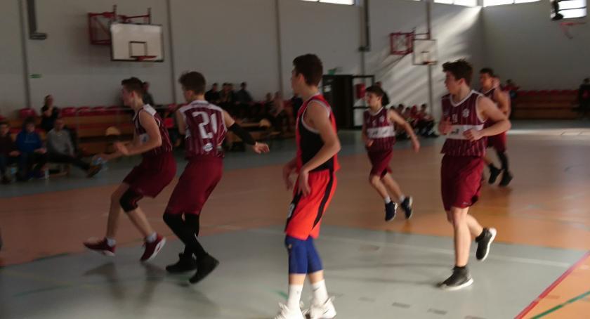 Koszykarze Emet Basket zwyciężają Spójnię II
