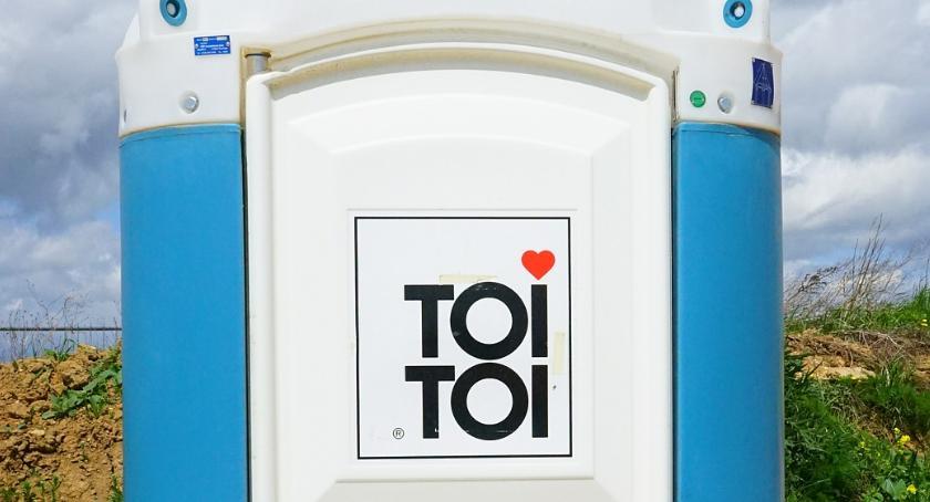 toi toi / pixabay / hans