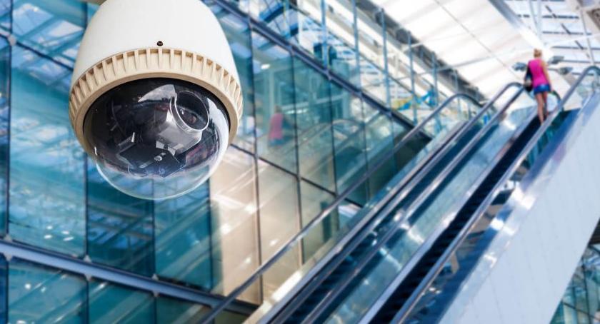 Porady, monitoring wizyjny wpływa poprawę bezpieczeństwa - zdjęcie, fotografia