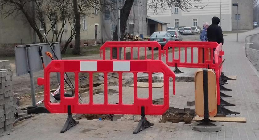 Przystanek zostanie cofnięty, nie zagrodzi całego chodnika