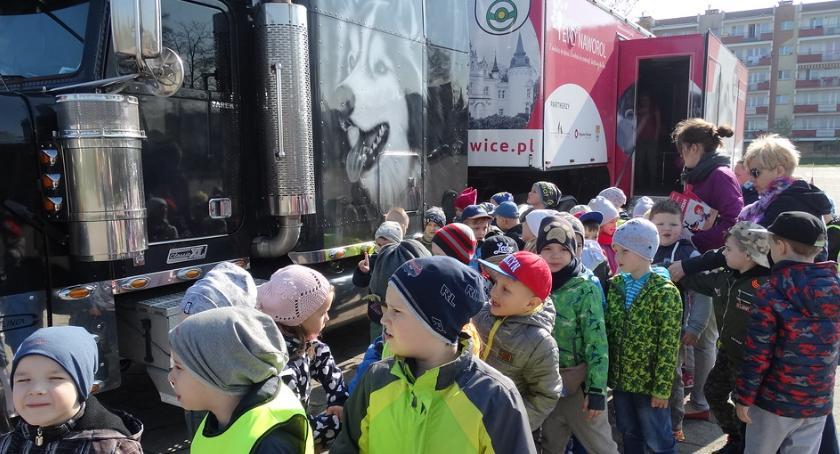 Ciężarówka Fundacji Ewy Naworol znów przyjedzie do Szczecinka