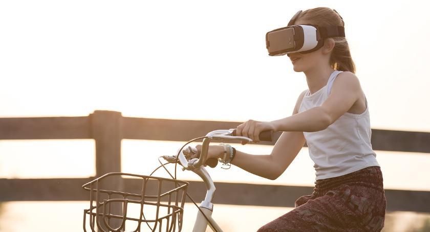 Opinie i felietony, Wirtualna rzeczywistość - zdjęcie, fotografia