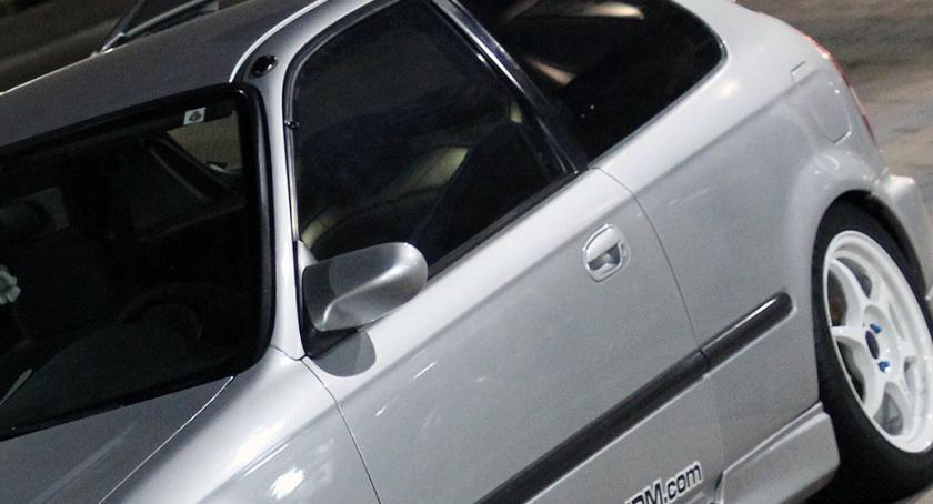 Policja, latek ścigał radiowozem Skończył rowie - zdjęcie, fotografia