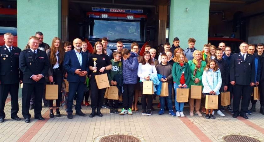 Dzieci i młodzież, Młodzież Szczecinku zapobiegać pożarom Ruszył Turniej Wiedzy Pożarniczej - zdjęcie, fotografia